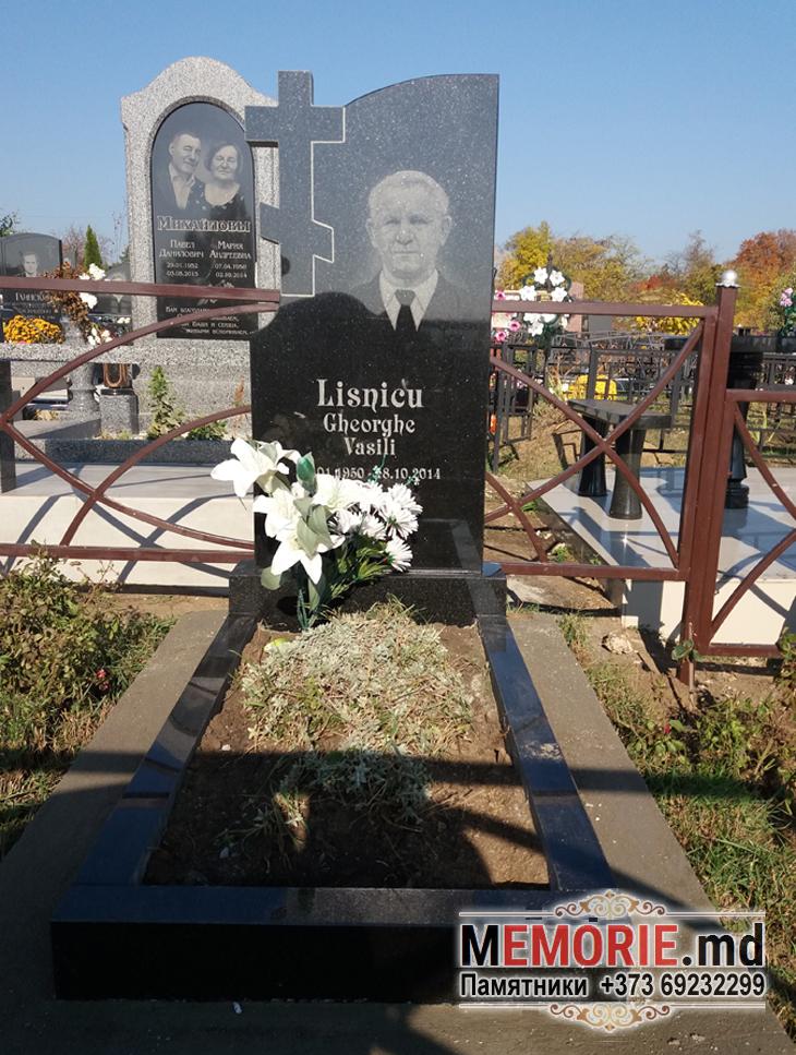Monument din granit cimitir in Balti