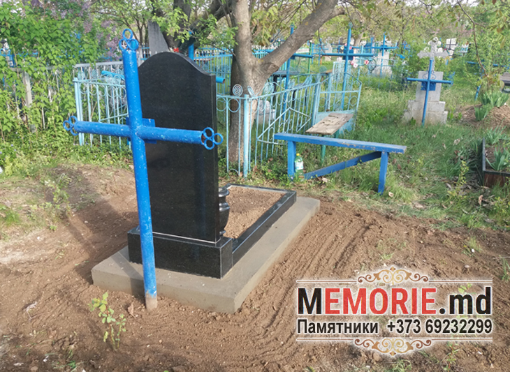 Monument din granit cimitir in Balti
