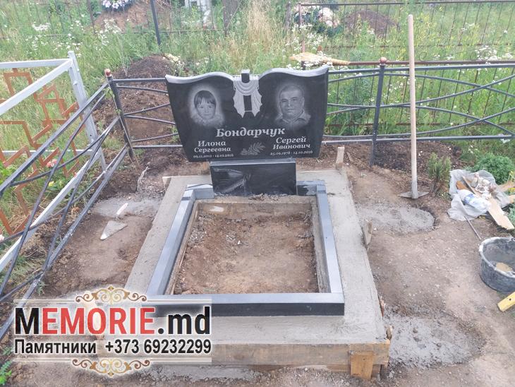 Памятник могила кладбище Бельцы