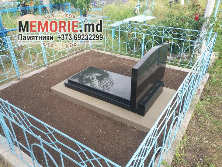 Двойные горизонтальные памятники на могилу Фалешты