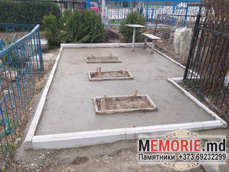 Памятник на могилу с площадкой