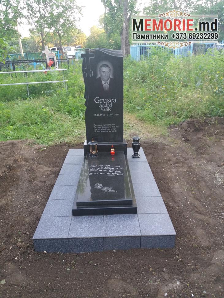 Памятник на могилу с плитой Бельцы