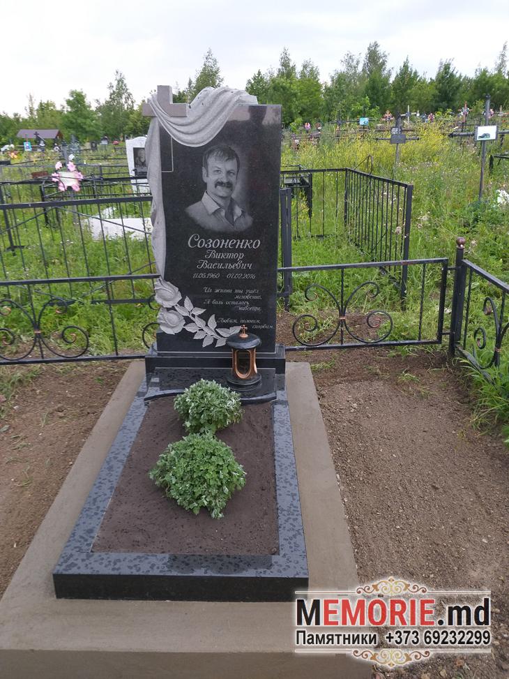 Памятник на могилу из гранита