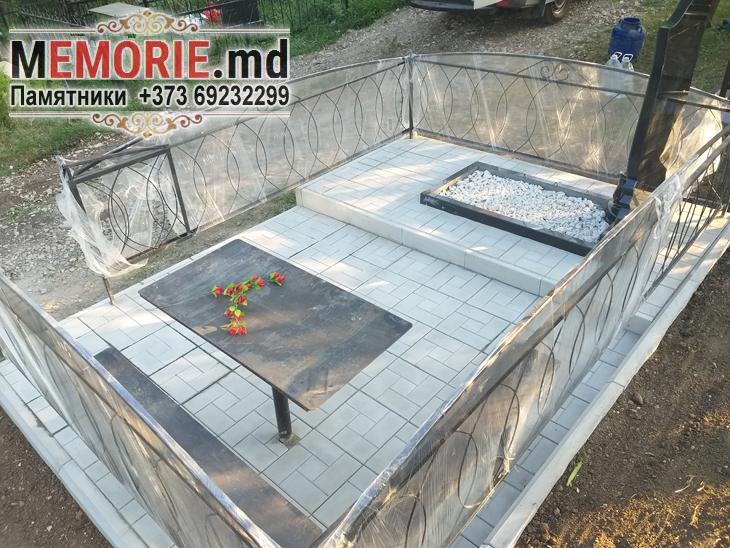 Изготовление памятника из черного гранита