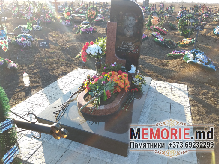 Гранитный памятник кладбище Молдова