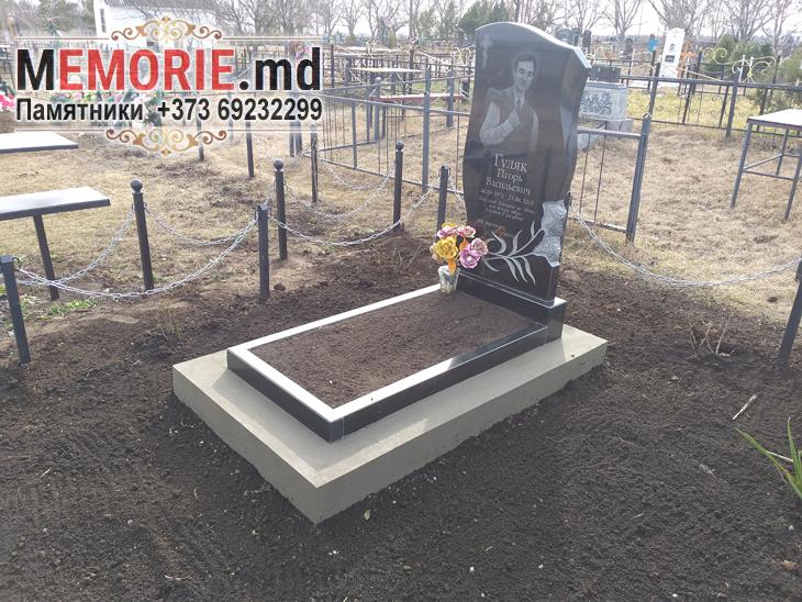 Купить надгробный памятник из гранита на могилу