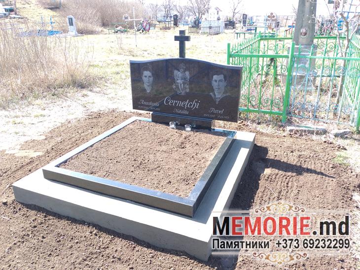 Monument pentru mormint Balti Moldova