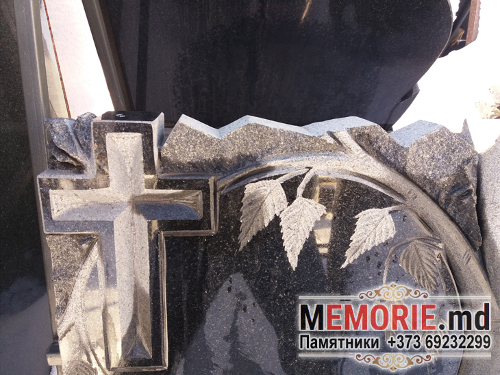 Monument funerar cimintir Balti